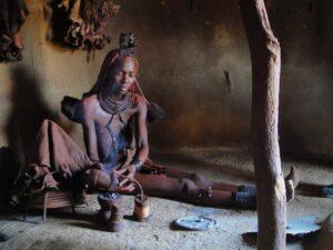 Donna in villaggio Himba