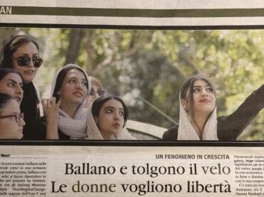 Iran: ballano e tolgono il velo, le donne vogliono libertà